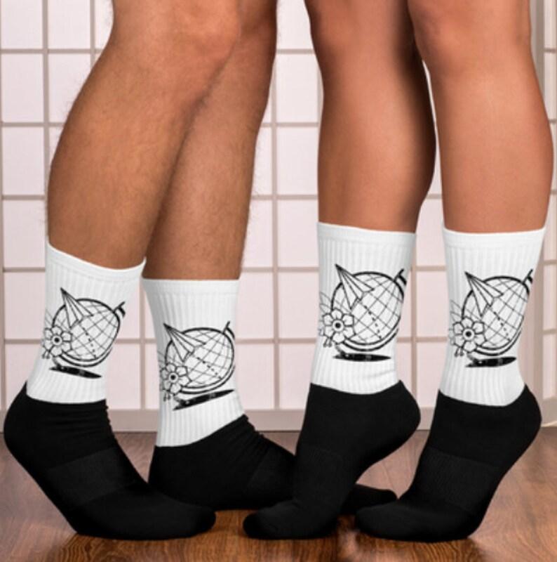 Nomad Globe Unisex Socks