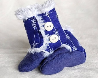 Blue Arrow Stay On Baby boots, Baby Stay on Boots, Baby booties, baby shower Gift, Baby winter boots, Slippers, Booties, Baby Boots.