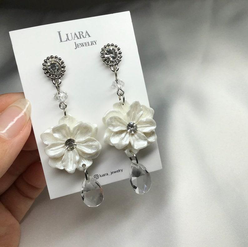Gift Cubic Point Dangle Earring White Flower Earring
