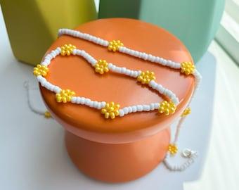 Yellow Daisy Necklace & Bracelet Set | beaded jewelry