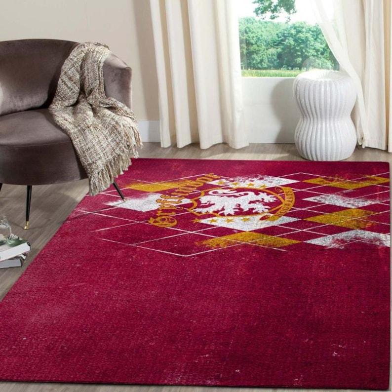 Gryffindor Logo Red Back Ground Area Rug/_Area Rug/_Living Room Carpet/_Floor Decor/_Beautiful Gift For Harry Potter/'s Fan/_Harry Potter Carpet
