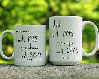 Set of 2 grandparent mugs. Grandma. First time grandma gift. New grandma gift. Grandpa. First time grandpa gift. New grandparents gift.