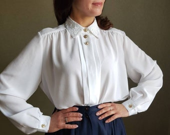 Vintage 1980s white silk embroidered curvy size blouse