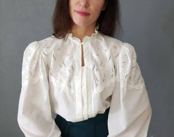Vintage  Blouse, White  Blouse, Puff sleeve , Butt