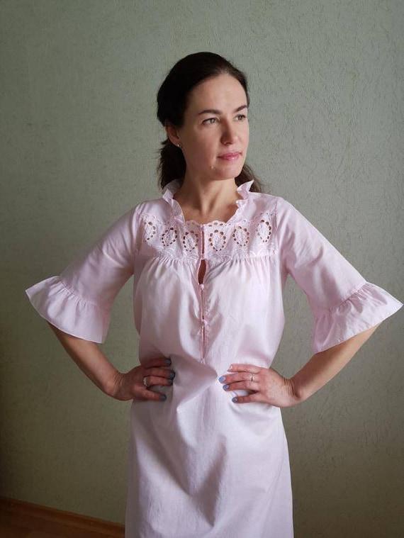 vintage Miss Elaine nightgown size MEDIUM short A-line dress light yellow nightdress with salmon pink lace trim 1960s chiffon dress