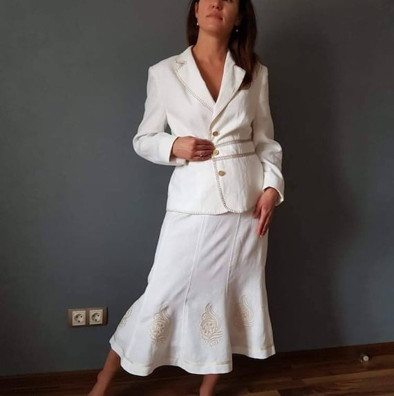 Vintage suit, women's skirt suit, vintage linen su