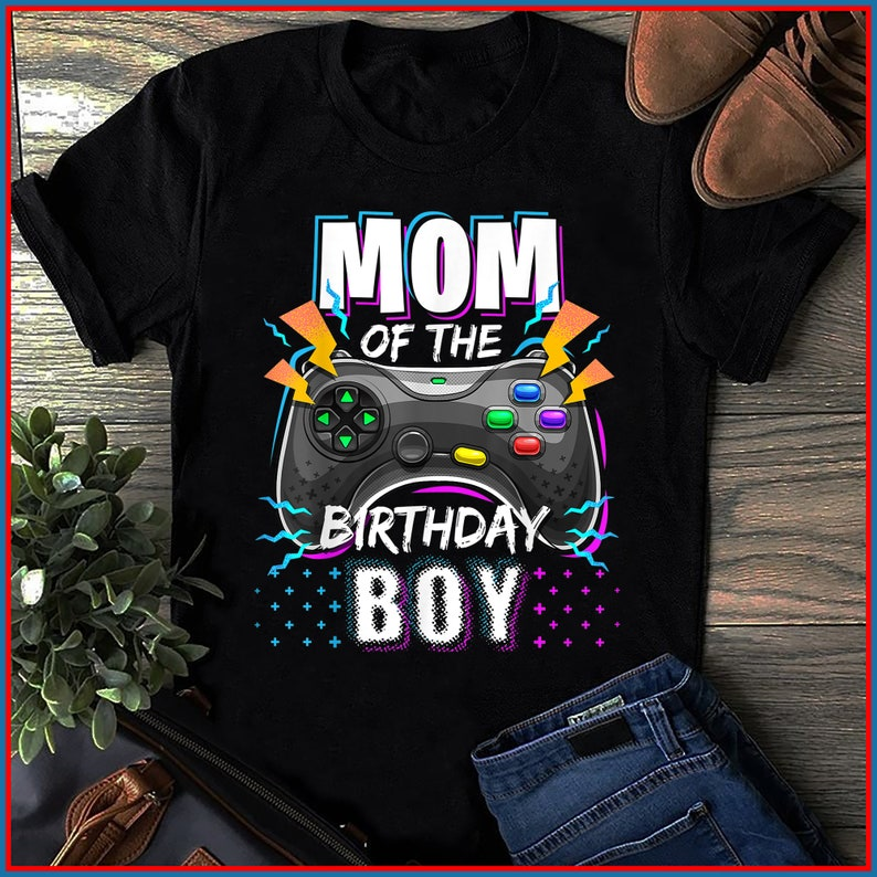 Mom of the Birthday Boy Matching Video Gamer Birthday Party T-Shirt