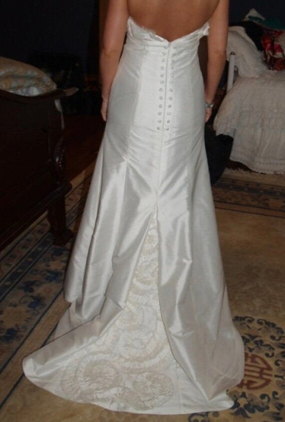 Size 2 Silk Couture Strapless A-line Wedding Gown - image 7
