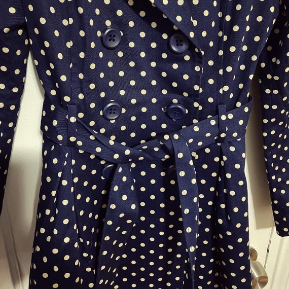 Vintage style small polka dot trench coat / small… - image 4