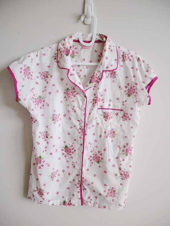 60s ditsy pink and white floral blouse