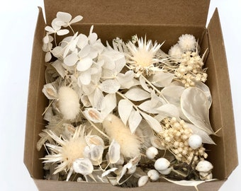 Preserved flowers Retro blue hydrangea petals about 40 pieces pack Made in Japan FF85117