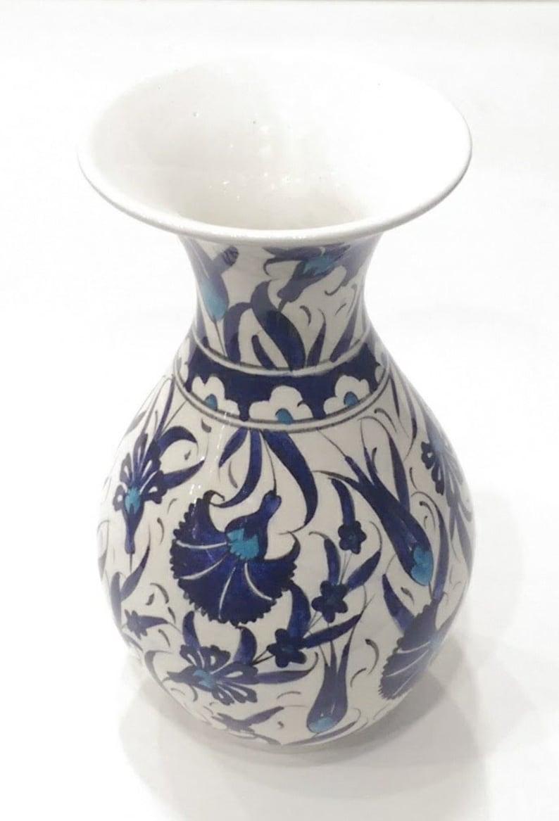 handmade ceramic 20 cm vases 8 inches decorative ornament vases table top vases sand glass shape vase blue white vase