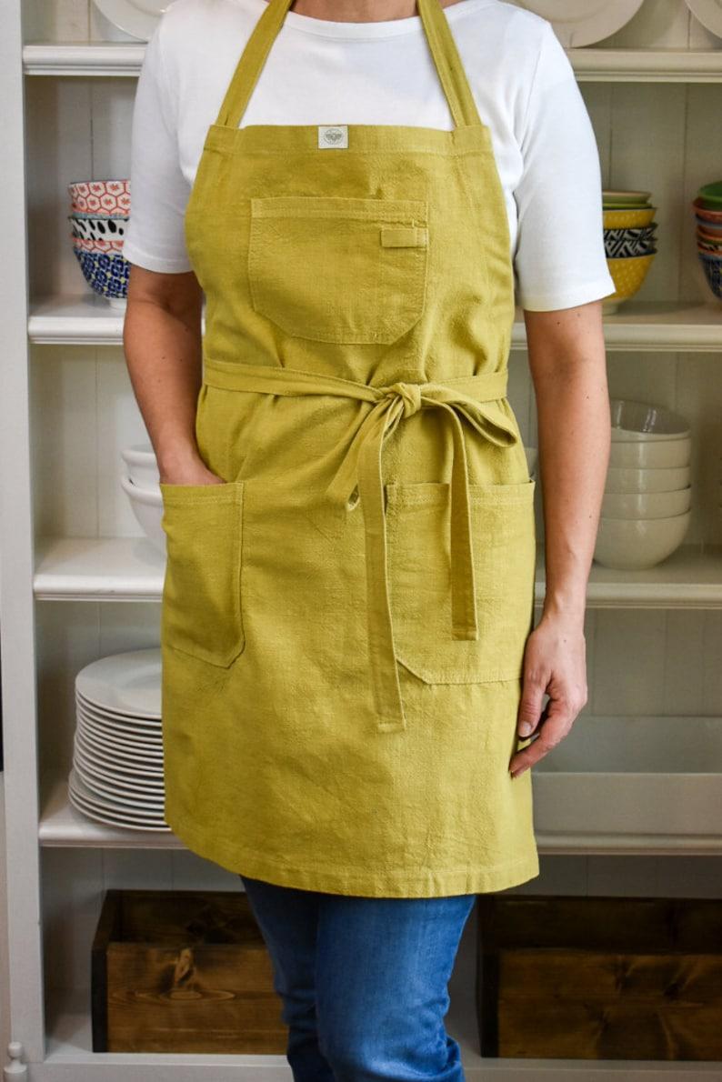 Linen Apron  Chest & Hip Pockets  Adjustable Neck Strap  image 0