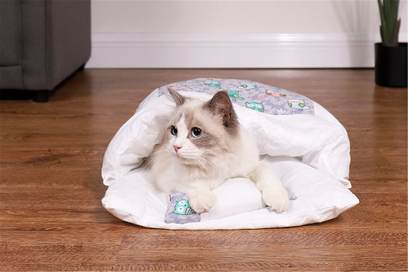 Removable Dog Cat Bed Cat Sleeping Bag Sofas Mat Winter Warm image 7