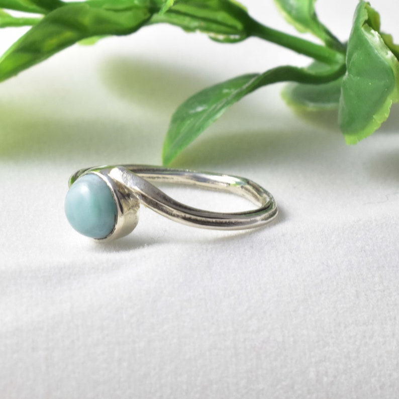 Christmas Ring Women Ring Antique Ring Sterling Silver Ring with Larimar Round cabochon