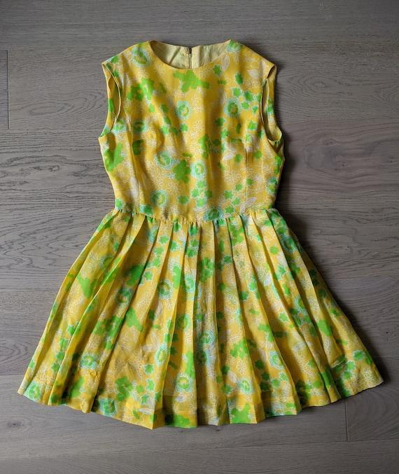 1960s 1970s Floral Dress