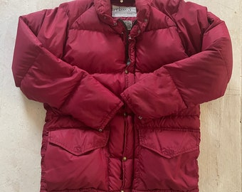 """Vintage 1970s -1980s Down Filled Puffy Coat Size Women's M/L Red Grape Color """"Class-5"""" Brand"""