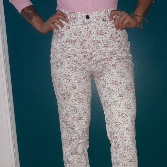 Vintage Floral Highwaisted Jeans