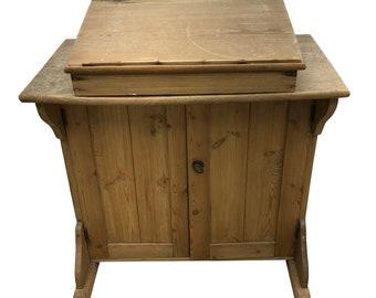 Desks & Bureaus