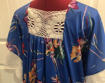 Paisley MUUMUU dress 70s Oversize stretch House dress Womens Lounging wear Short sleeves Plus size 3X chest 57in Vintage One Size Fits All