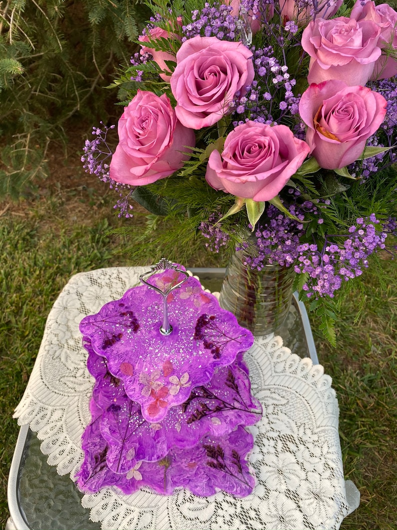 3 Tier Resin Tray with real dried flowers