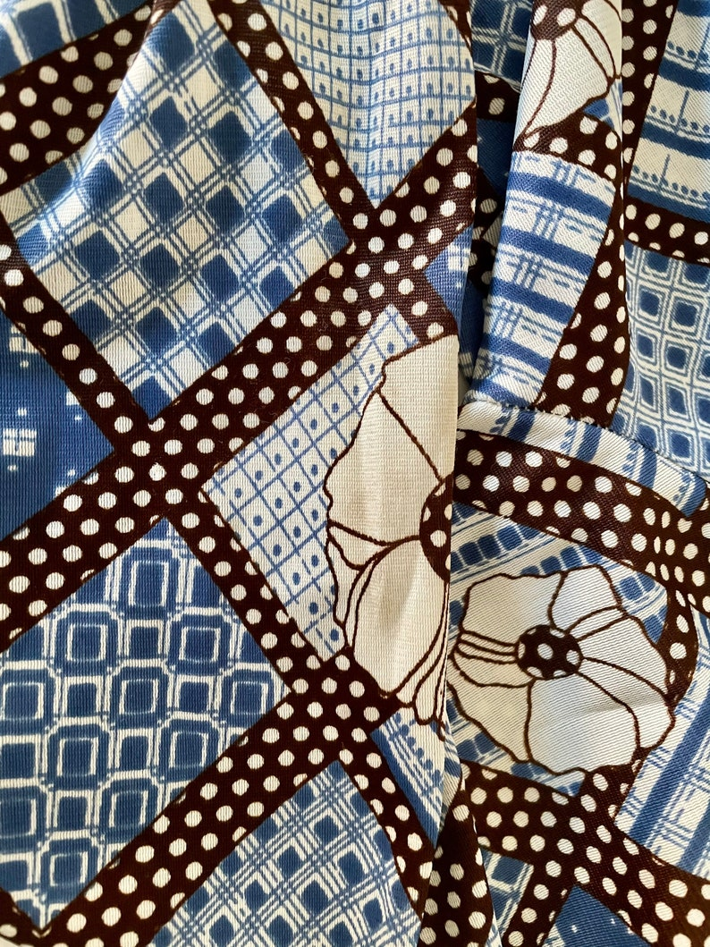 Vintage 1970s floral squares tie front crop top.