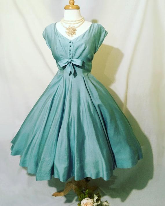 1950s Iconic Vintage Jonny Herbert Dovmina Modeled