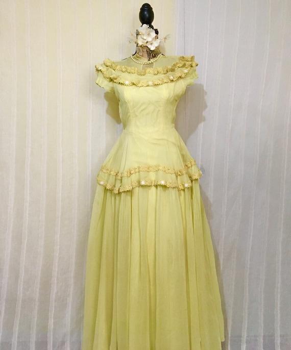 1940s Vintage Irish Wedding Dress