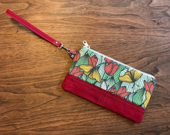 Tulip clutch, linen and waxed canvas with interior zipper pocket  and credit card slots. Minimalist's wristlet!