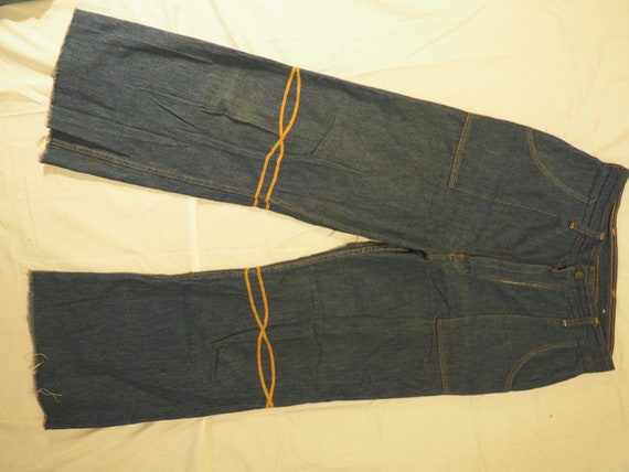 GREAT CONDITION 60s/70s Vintage Wrangler High Rise