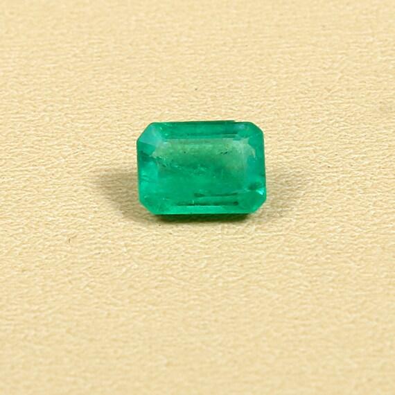 Loose Gemstone Green Emerald Natural Gemstone Emerald Gemstone Natural Emerald Hand Carved 5.55 Carat 16X11X3.5mm Emerald Carving