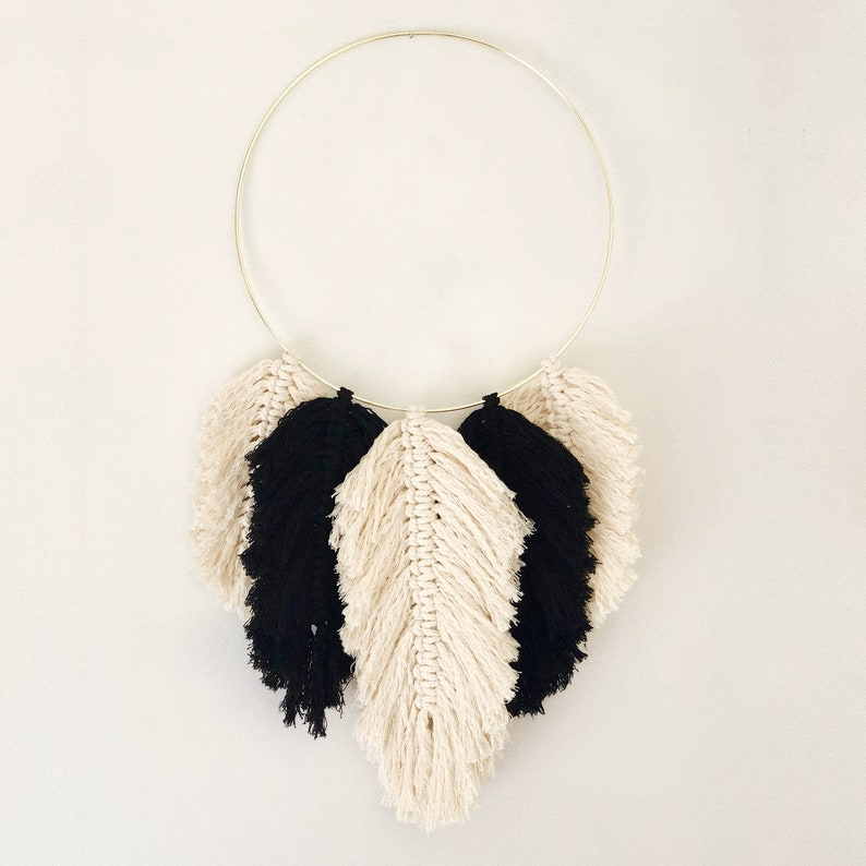 Model Amed  Black and ecru  Large macramé feathers on metal image 0