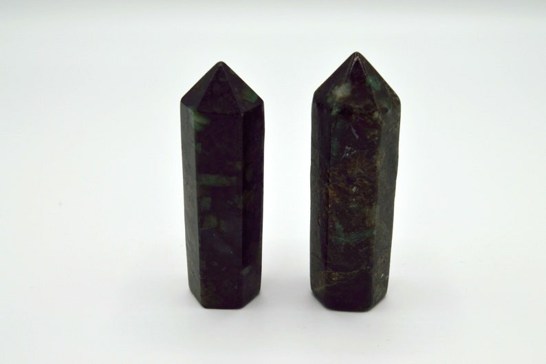 Emerald Crystal Points