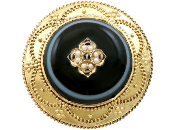 Agate and Pearl, 18 ct Yellow Gold Brooch / Locket