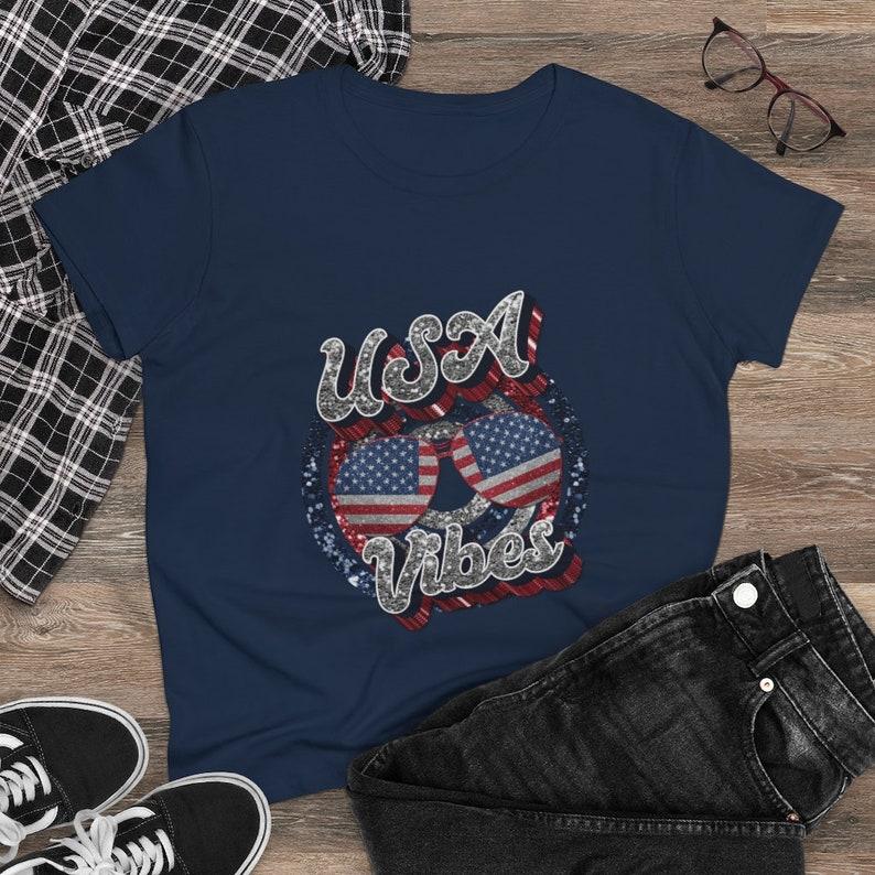 USA Vibes American Flag Retro Vintage Women/'s Heavy Cotton Tee
