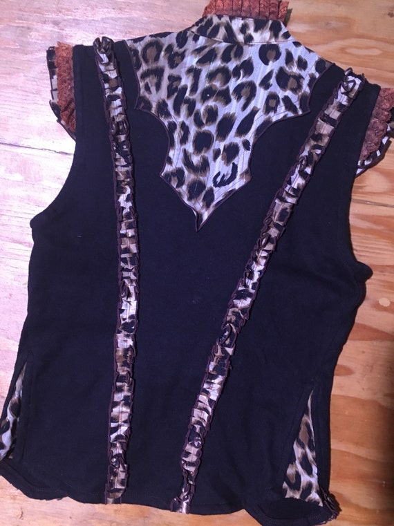 Western vest with ruffles - image 2