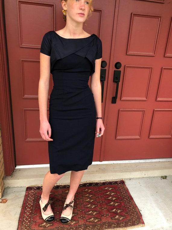 1950's stunning wiggle dress