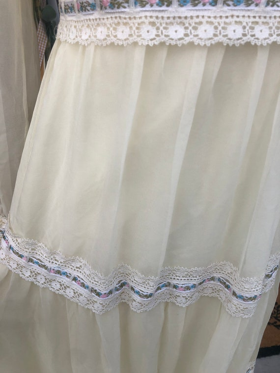 1970's cottage core dress like Gunne Sax - image 9