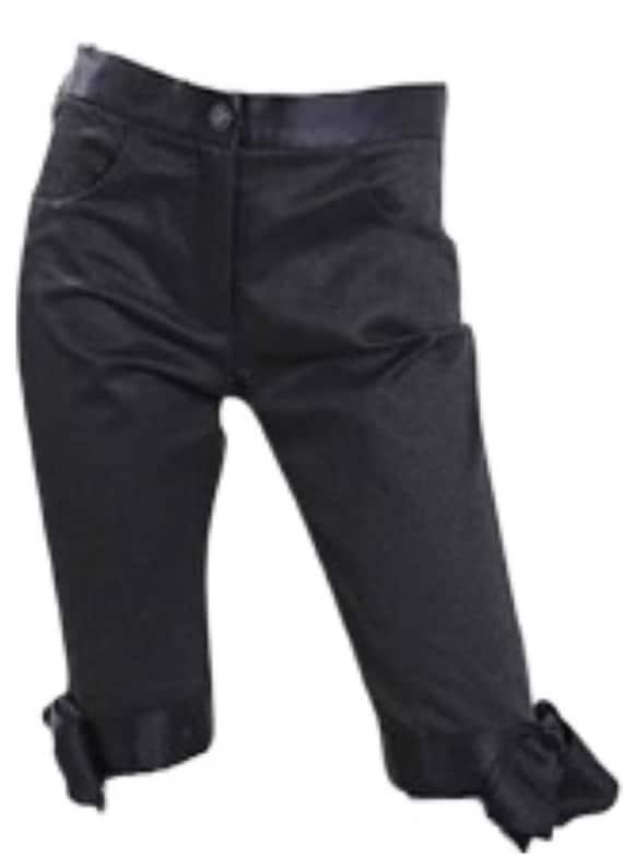 CHANEL BERMUDA SHORTS - never been worn!