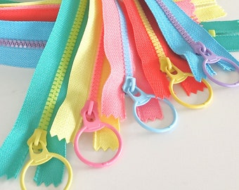 "Pastel #3 Resin zippers, 15"" long"