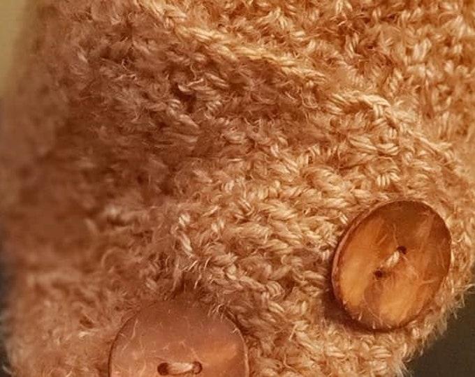 Crocheted Neck Wrap: Soft Peach