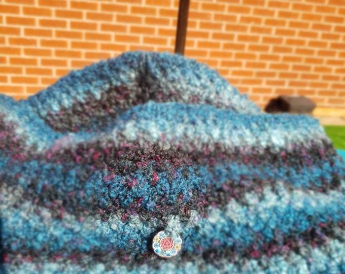 Crocheted Cowl: Shades of Blue
