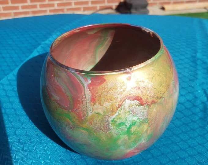 Small Painted Glass Bowl: Red and Green