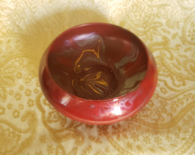 Small Painted Glass Bowl: Red and Gold