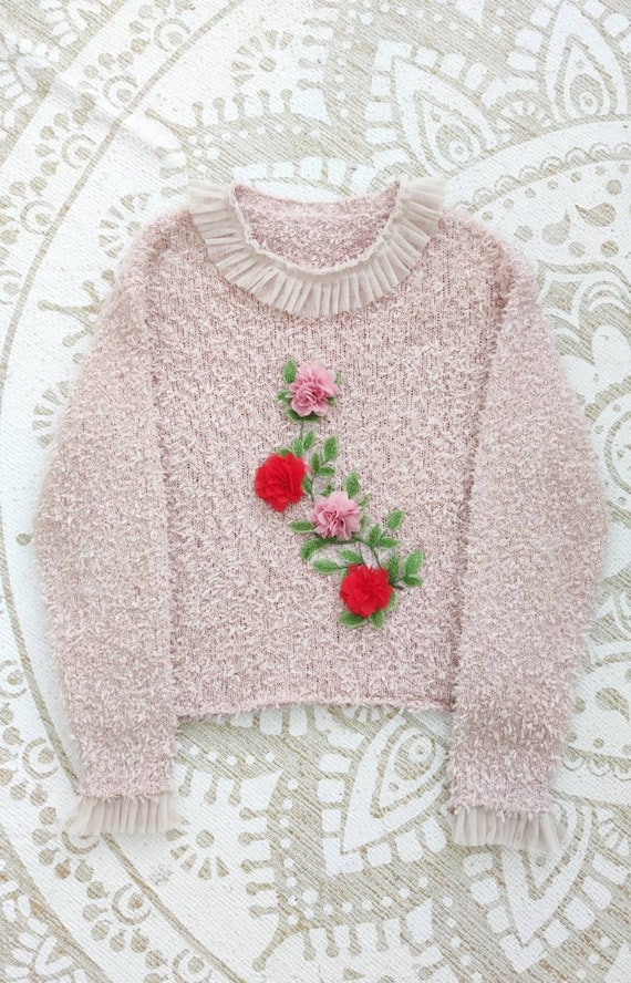 Vintage floral embroidery sweater with lace collar