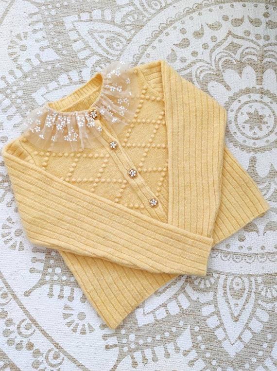Vintage Austrian cardigan - lace collar