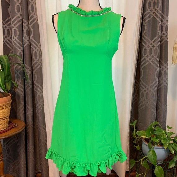 Vintage mod lime Green shift mini dress,  lime gre