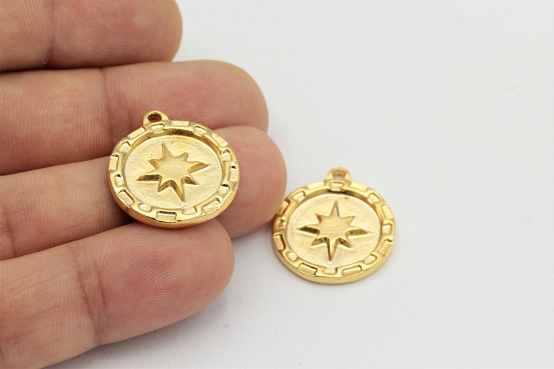1 pcs, 24k Shiny Gold Plated Medallion Charms Gold Medallion 21x25mm Medallion Charms North Star Charms ALT-278
