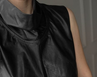 Wise Fashion Sustainable Fashion Vintage Elegant Black Shimmer Lurex Top Fair and Ethical