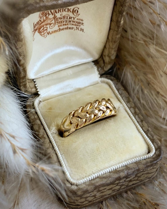Victorian Gold Keepers Ring